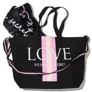 ❤️NWT Victoria's Secret Tote and Blanket Bundle